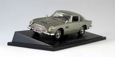 Atlas Editions 3 920 401 Aston Martin DB5 from the Classic British Sports Cars series. 1:43 scale diecast with plastic parts. Mounted on plinth but can be removed.  http://thegeniescave.co.uk/product-category/diecast/atlas-editions/