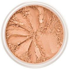La base médium pêche mat de la Poudre Bronzante South Beach convient à toutes les carnations. Teint ensoleillé mat ! La texture légère et non-comédogène de la Poudre Bronzante du Maquillage Minéral Lily Lolo apporte de la profondeur et de l'éclat à votre teint, avec une intensité modulable à souhait. 15€ #soleil #bronzante #poudre #minerale #maquillage #teint #eclat #lilylolo www.officina-paris.fr