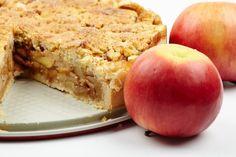 Szarlotka z polewą migdałowo-orzechową Palce Lizać Page 2 Pastry Recipes, Cooking Recipes, Apple Crumb Pie, Apple Pies, Cannoli Filling, Greek Desserts, Flaky Pastry, Cake Bars, Cookie Pie
