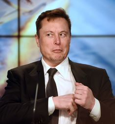 Elon Musk Tesla Mechanical Engineering Logo, Tesla Roof, Foto Doctor, Solar City, Elon Musk Tesla, Tesla Owner, Iron Man Movie, Suv Models, Shopping