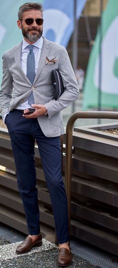 great mix of casual & business // mens summer street style & fashion