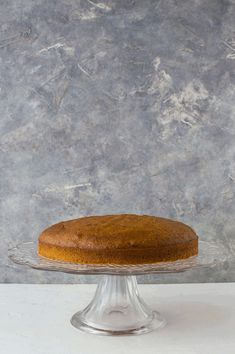Pumpkin layer cake with mascarpone cream and sugared pecans - this stunning cake is truly irresistible and perfect for any Autumn celebration. Marshmallow Creme, Cake Gif, Mascarpone Creme, Sugared Pecans, Pumpkin Spice Cake, Crepe Cake, Cake Videos, Cake Recipes, Spices