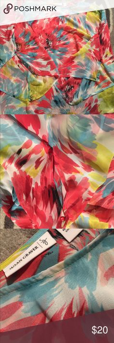 Susan Graver Floral Blouse 👚 Gorgeous sheer, flowy blouse with large slit sleeves with two buttons on each arm.  Very roomy. Susan Graver Tops Blouses