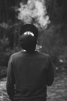 sua may nuoc nong Smoke Bomb Photography, Photography Poses For Men, Dark Photography, Portrait Photography, Vape Pictures, Cigarette Aesthetic, Boys Wallpaper, Vape Tricks, Smoking Weed