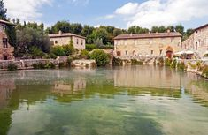 Tuscany has many hot springs and thermal pools. See top spa towns and places to go to relax in a thermal pool or take the waters. Siena, Roman Pool, Thermal Pool, Small Pools, Relaxing Day, Great View, Hot Springs, Tuscany, Places To Go