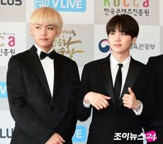 161027 #BTS at the Red Carpet of 2016 Korean Popular Culture and Arts Awards || #BloodSweatTears | #SUGA #KimTaehyung