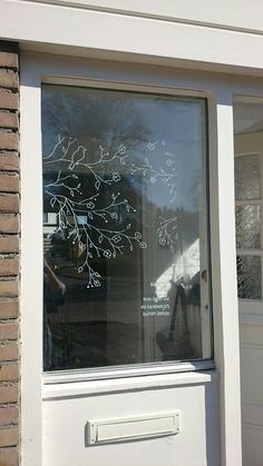 Raamtekening lente met gedicht We are want to say … – Window drawing spring with poem We are want to say … – drawing Chalk Pens, Chalk Markers, Chalk Art, Window Art, Store Displays, Chalkboard Art, Christmas Window Decorations, Stencils, Street Art