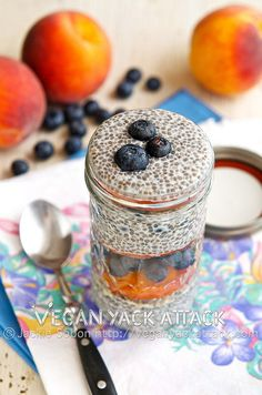 Blueberry Peach Chia Parfait - A pretty parfait with sensational vanilla chia pudding, the best peaches, and deeply colored blueberries. Vegan Sweets, Healthy Desserts, Healthy Appetizers, Vegan Food, Healthy Foods, Vegan Breakfast Recipes, Vegan Recipes, Breakfast Ideas, Free Breakfast