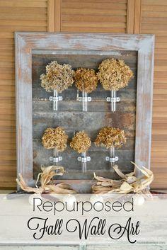 Repurposed Fall Wall Art - durch die Glasröhrchen auch für frische Blumen und Zweige geeignet!