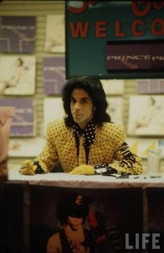 Prince signing records