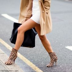 Lovin' these leopard shoes!  Nope I couldn't wear these but man they look hot