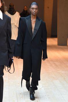 Céline Fall 2017 Ready-to-Wear Fashion Show