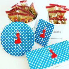 オードリーのお菓子グレイシア!花束みたいなお菓子のブーケ Package Design, Illustration Art, Fabrics, Sweets, Packaging, Tejidos, Gummi Candy, Packaging Design, Candy