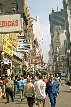 Old New York. 42nd Street, looking east toward Times Square