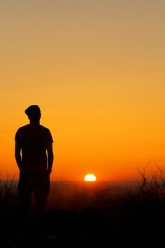 Alone Photography, Boy Photography Poses, Dark Photography, Sunset Photography, Emotional Photography, Alone Boy Wallpaper, Dark Wallpaper, Beautiful Dark Art, Beautiful Nature Scenes