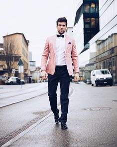 Put on to perform Form, head-turning looks. Pink Blazer Men, Pink Blazer Outfits, Casual Skirt Outfits, Men New Years Outfit, Costume Rose, Mens White Suit, Homecoming Outfits, Indian Men Fashion, Men's Fashion