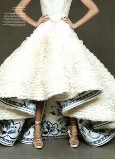 Something blue, blue wedding details, wedding dress, oscar de la renta wedding gown