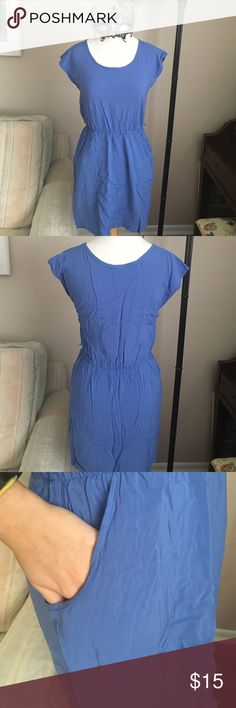 Blue pocket dress This is a simple blue dress WITH POCKETS! It has only been worn a few times just unfortunately is too short for me. Size medium, 17 inches from sinched waist. Mossimo Supply Co Dresses