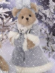 Even though it's doubtful I'll see real snow this year (Central Florida) I can count on internet gifs to bring it. Vintage Teddy Bears, Cute Teddy Bears, Bear Gif, Teddy Bear Pictures, Christmas Teddy Bear, Christmas Wonderland, Boyds Bears, Tatty Teddy, Love Bear
