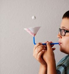 Activities for Infant Education: EXPERIMENT: the little ball that floats Diy For Kids, Cool Kids, Crafts For Kids, Science Projects, Science Experiments, Infant Activities, Activities For Kids, Indoor Activities, Skin Paint