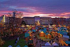 Karlsruher Christkindlesmarkt: Besuchen Sie den Fliegenden Weihnachtsmann