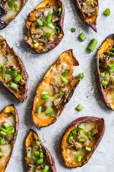 Loaded sweet potato skins are a slightly healthier take on regular potato skins and still topped with crispy bacon, cheese, scallions and greek yogurt! Healthy Superbowl Snacks, Healthy Appetizers, Appetizers For Party, Appetizer Recipes, Healthy Recipes, Healthy Meals, Delicious Recipes, Snack Recipes, Sweet Potato Skins