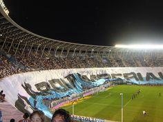 Impresionante, esta es la hinchada de Racing Club de Avellaneda!