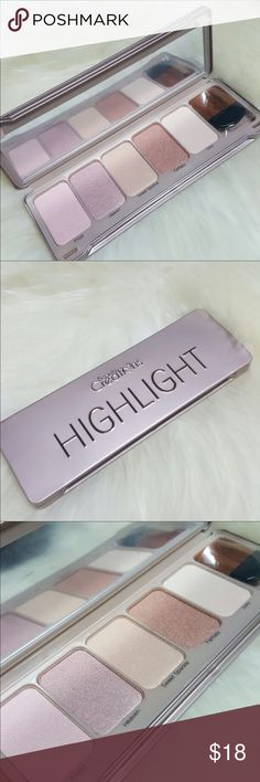 Creations Highlight Brand New Beauty Creations Highlight Palette  Highly pigmented and buttery formula  Apply to the top of your cheekbones for a gorgeous highlight  Perfect palette for all skin tones Check out my other listings Sephora Makeup Bronzer