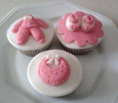 Resultados da Pesquisa de imagens do Google para http://perlbal.hi-pi.com/blog-images/502693/gd/1272068545/Cupcakes-para-cha-de-bebe-e-maternidade.jpg