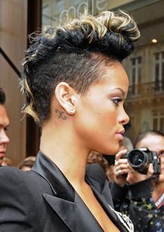 Rihanna Mohawk Haircut - Rihanna's Short Haircuts: Best Styles Over the Years