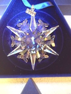 2002 SWAROVSKI CHRISTMAS ORNAMENT - with the Original Inner and Outer Boxes, Certificate and Booklet