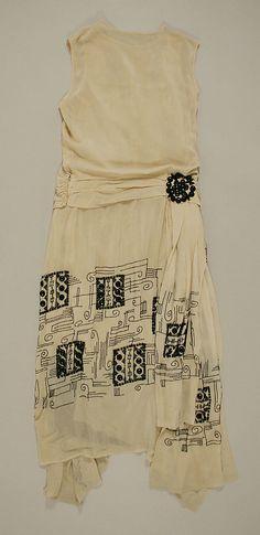 Evening Dress, 1924-1925 retro margarita girl garb- daisy daisy give me your answer do!