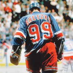 Gretzky, Rangers Maximum Effort, Wayne Gretzky, Blade Runner, Hockey Players, Ice Hockey, Sports, Runners, Discovery, Peeps