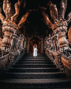 Sanctuary of Truth Pattaya, Thailand Indian Temple Architecture, Ancient Architecture, Beautiful Architecture, Gothic Architecture, Urban Photography, Street Photography, White Photography, Photography Ideas, Places To Travel