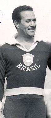 Silvio Pirillo - grande centroavante Colorado nos anos 30, chegou a seleção.