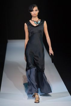 Long top over flowing pants - Giorgio Armani Spring 2013 Photo 1