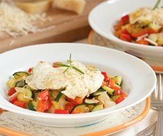 Easy Veggie Skillet Eggs - a super easy and healthy breakfast!
