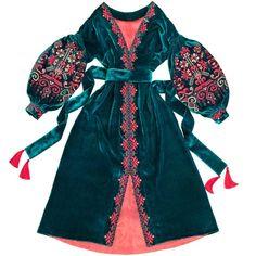 Ukrainian white embroidered dress - with flowers embroidery- boho chic ethnic bohemian style / Ukrainian dress /Sarafan/ mexican dress on Etsy Ukrainian Dress, Mode Abaya, Bright Dress, Mein Style, Mexican Dresses, Embroidery Dress, Embroidered Blouse, Floral Embroidery, Boho Dress