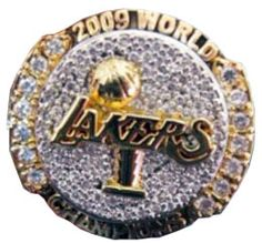2009 Lakers NBA Championship ring Nba Championship Rings, Sports Today, Wnba, Los Angeles Lakers, 4 Life, Gadgets, Basketball, Bling, Pictures