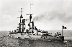 Italian battleship Caio Duilio in 1926. An Andrea Doria -class battleship, Caio Duilio served in both World Wars & into the 1950's. [2080x1379]