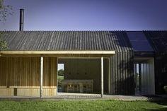 700_urlaubsarchitektur–black-and-bright–teilansicht-c-andrea-glatzke-004