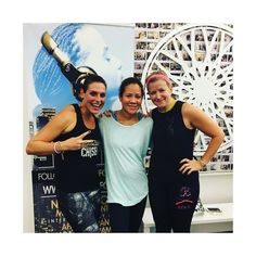 Seriously the BEST ride EVER! @selenawatkins ISLAND JAMS was where it's at! ----- Day time sweat sesh with glow sticks best friends (@marisakubiak ) towels in the air & sick beats by @djspynfo ! ... now who's going for brunch??! Thanks @soulcycle for setting me up for an awesome week!