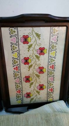 Bargello, Handicraft, Cross Stitch Embroidery, Alphabet, Diy And Crafts, Patches, Traditional, Knitting, Pattern