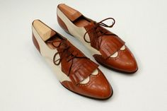 Vintage Women's Ferragamo Shoes Tan and Creme by bootsiesvintage