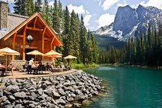 Emerald Lake - Canada: so gorgeous!
