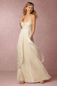 Delicados vestidos para las novias más sencillas