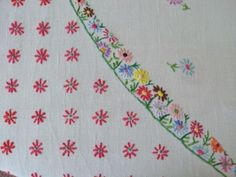embroidered table cloth  country-vintage.co.uk