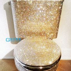 A glitter toilet! Mod podge and glitter with clear spraypaint Ideias Diy, Glamour, My New Room, My Dream Home, Sweet Home, Cool Stuff, Awesome, Amazing, Inspiration