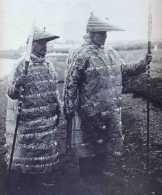 Aleut hunters in gut-skin jackets, Aleut Islands, Alaska. North American Tribes, Native American History, American Life, Alaska, Antique Photos, Old Photos, Fort Ross, Mode Costume, Inuit Art