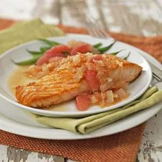 If you like salmon, try this tasty recipe with grapefruit added. This is a healthy and easy way to eat right. Cooking Tips, Cooking Recipes, Healthy Recipes, Seafood Dishes, Grapefruit, Salmon, Easy Meals, Low Carb, Chicken